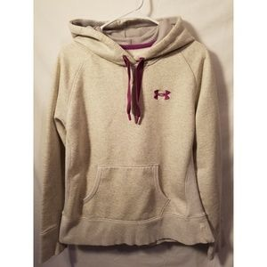 UNDER ARMOUR LOOSE FIT SIZE MEDIUM